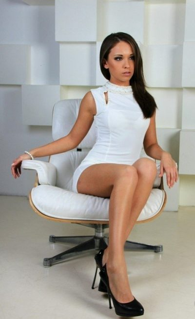 Внимание мужчины, красивая девушка нимфоманка из Москвы, жду встреч!