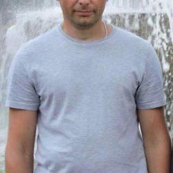 Парень из Москвы. Ищу девушку, которая любит секс, но не за деньги, а за удовольствие